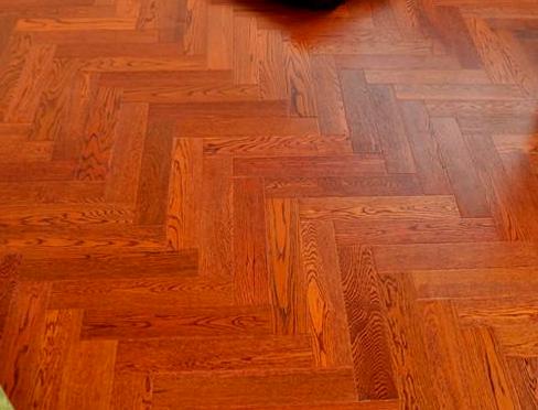 白橡木地板价格贵吗?
