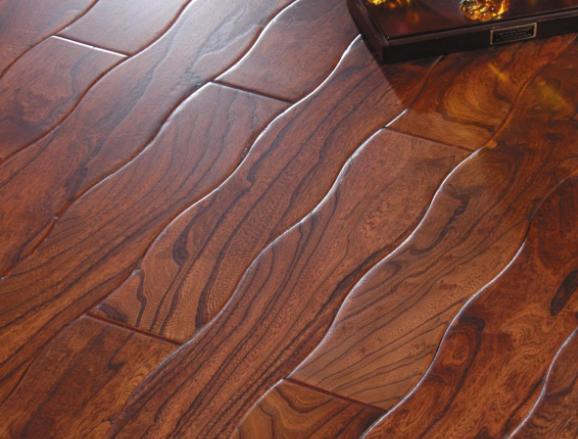 如何安装和保养实木、强化木地板